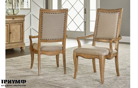 Американская мебель Legacy Classic - Ashby Woods Upholstered Back Arm Chair