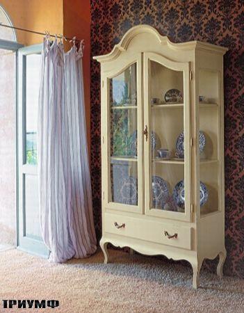 Итальянская мебель Tonin casa - витриная барочная из массива