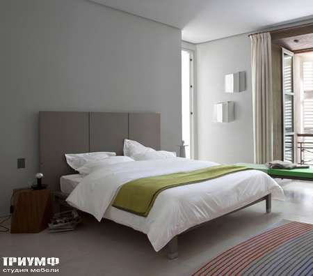 Итальянская мебель Ligne Roset - кровать Lumeo