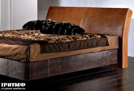 Итальянская мебель Sellaro  - Кровать Capri в коже