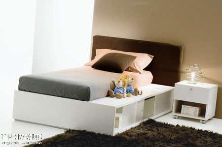 Итальянская мебель Di Liddo & Perego - Кровать с полками в базе, модель Space