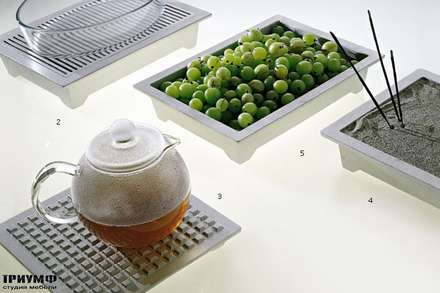 Итальянская мебель Driade - Подставки Hot Pot и вазы Iron Maid