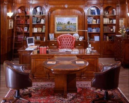 Итальянская мебель Arca - Кабинет директора Regimental, стол с брифинг приставкой и библиотека
