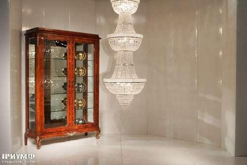 Итальянская мебель Cornelio Cappellini - Витрина двухдверная из дерева