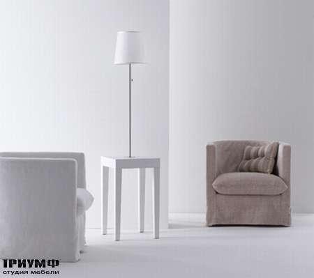 Итальянская мебель Orizzonti - столик и лампа MoheliTavolino