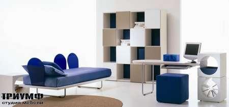 Итальянская мебель Di Liddo & Perego - Стенка, шахматная доска, лак и дерево