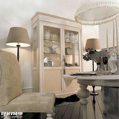 Итальянская мебель Giusti Portos - Витрина в дереве со стеклом