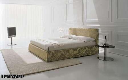 Итальянская мебель Presotto - кровать Dado в классической ткани