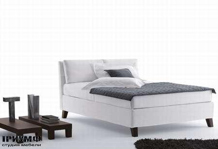 Итальянская мебель Orizzonti - кровать Bahamas Alto с мягкой обивкой