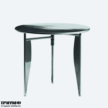 Итальянская мебель Driade - Стол на металлических ногах, трехножка