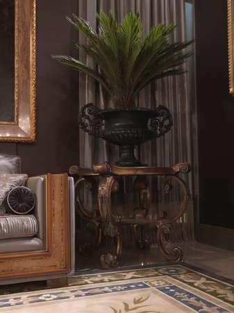 Итальянская мебель Jumbo Collection - Приставной резной столик коллекция Hermes
