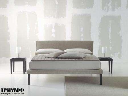 Итальянская мебель Orizzonti - кровать Ebridi отделка ткань