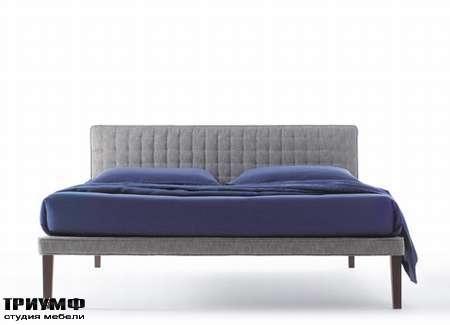 Итальянская мебель Orizzonti - кровать Ebridi с мягкой обивкой