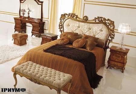 Итальянская мебель Grilli - Кровать с резным изголовьем