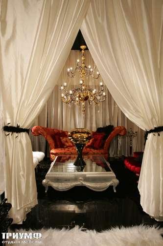 Итальянская мебель Cornelio Cappellini - Журнальный стол, крашенное дерево, зеркало