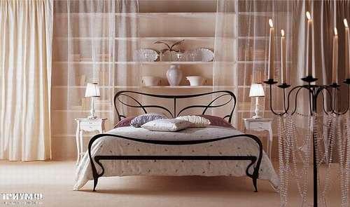 Итальянская мебель Giusti Portos - Кровать в черной ковке Athos