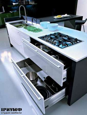 Итальянские кухни Pedini - Кухни Q2System остров с ящиками