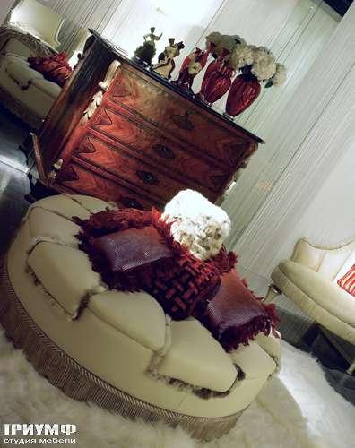 Итальянская мебель Cornelio Cappellini - Диван в виде круглого пуфа