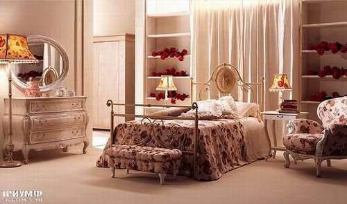 Итальянская мебель Giusti Portos - Спальня с медальоном Carolina