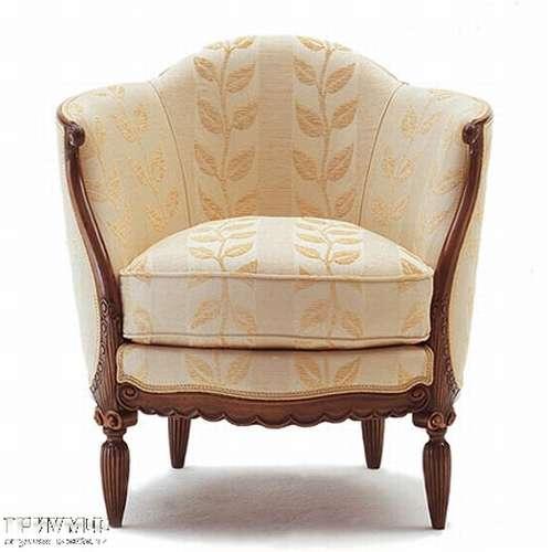 Кресло в ткани с цветочным орнаментом