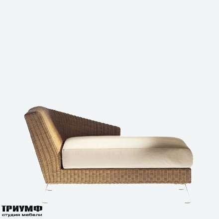 Итальянская мебель Driade - Шезлонг из ротанга с одним косым подлокотником
