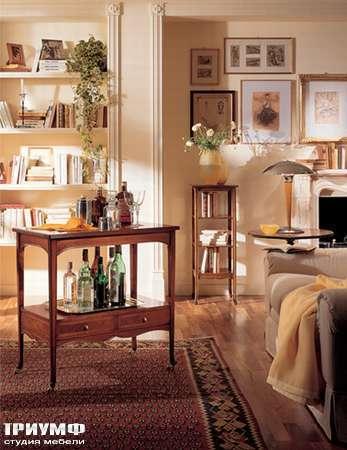 Столик сервировочный классический, с ящиками