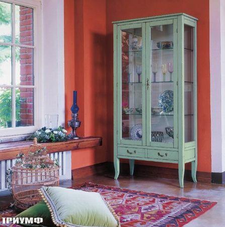 Итальянская мебель Tonin casa - витрина на ножках