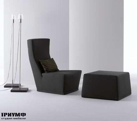 Итальянская мебель Orizzonti - кресло и пуф Melville