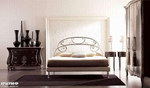 Итальянская мебель Giusti Portos - Кровать на ножках Joe
