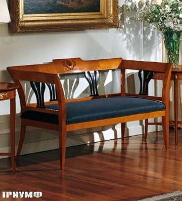 Итальянская мебель Colombo Mobili - Диванчик стиль Бидермайер арт.176 кол. Mascagni вишня эбеновое дерево мягкое сиденье