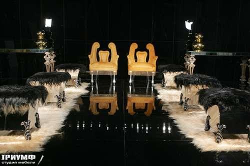 Итальянская мебель Cornelio Cappellini - Стулья, пуф со шкурой