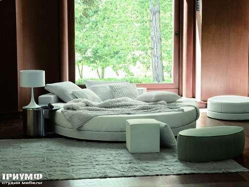 Итальянская мебель Ivano Redaelli - Кровать круглая Glamour с круглым матрасом и прикроватными столиками