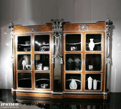 Итальянская мебель Cornelio Cappellini - Витрина с пилястрами и распашными дверьми
