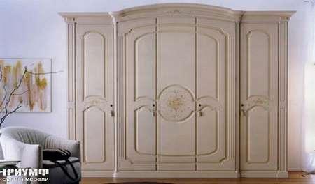 Итальянская мебель Ferretti e Ferretti - Шкаф классический рельефный Vasari