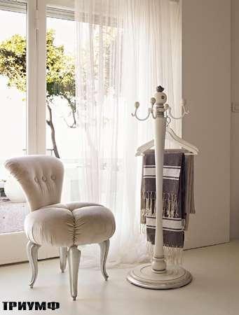 Итальянская мебель Volpi - Пуф Giulietta с вешалкой Tea