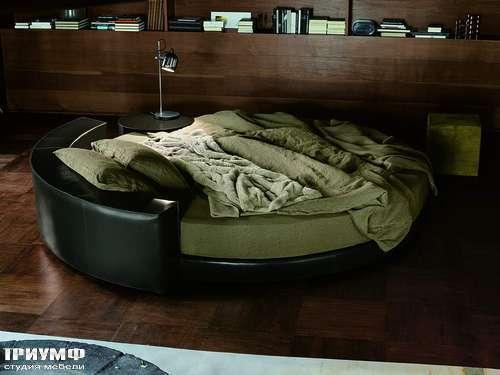 Итальянская мебель Ivano Redaelli - Кровать Glamour, диаметром 250, кожаная