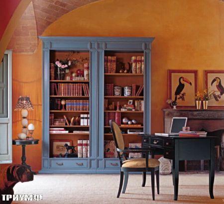 Итальянская мебель Tonin casa - стол и стеллаж в крашенном дереве