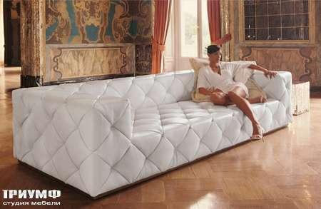 Итальянская мебель Love Luxe (Longhi) - Диван с пуговицами, белая кожа, Must