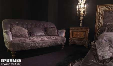 Итальянская мебель Jumbo Collection - Диван OPERA52 прикроватная тумба OPERA05
