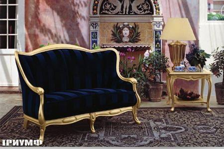 Итальянская мебель Tonin casa - диван изящный в дереве