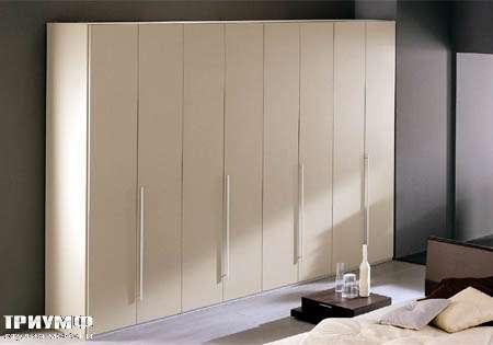 Итальянская мебель Vittoria - шкаф    Liscia battente