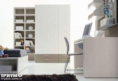 Шкаф с ящиками белый