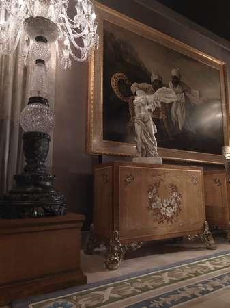 Итальянская мебель Jumbo Collection - Комод на резных ножках коллекция Hermes