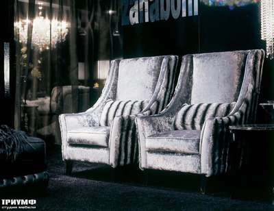 Итальянская мебель Zanaboni - Кресло классическое с высокой спинкой в бархате в полоску