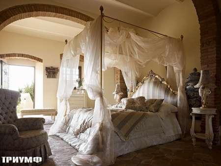 Итальянская мебель Volpi - кровать с балдахином Venere