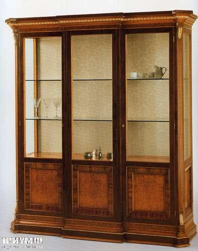 Итальянская мебель Citterio Fratelli - Витрина Capitelio 3 дверная