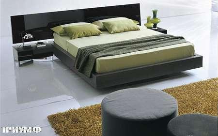 Итальянская мебель Presotto - кровать Silver в сером дубе и глянцевом черном лаке