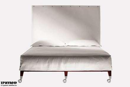 Итальянская мебель Driade - Кровать с изголовьем в ткани